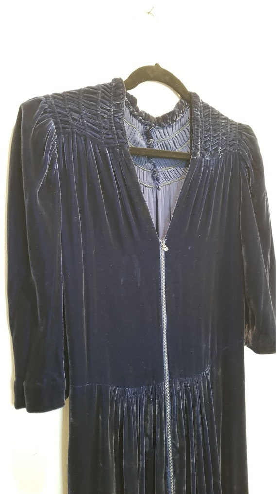 Vintage 30s/40s Blue Velvet Zip Front Dress - image 6