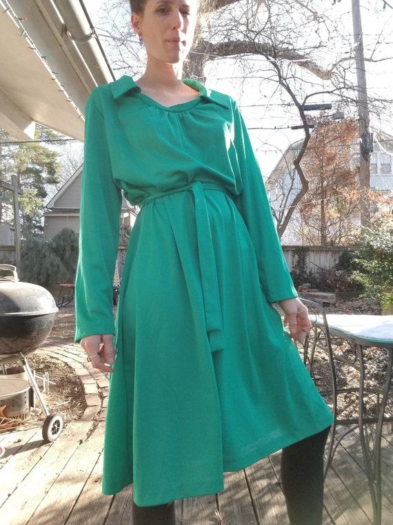 Vintage 1970s/80s Kelly Green Belted Dress