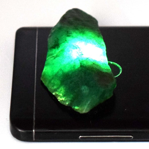 Natural 1000 Carat Brazilian Green Emerald Facet Gemstone Polished Rough Specimen Lot