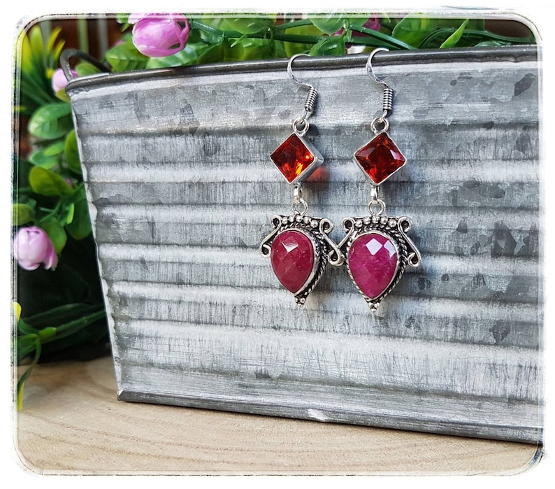including hook 925 silver Width 2.2 cm Faceted gems with incredible sparkles Handmade. Length 6.3 cm Ruby and Garnet earrings