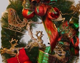 Traditional Theme Christmas Wreath