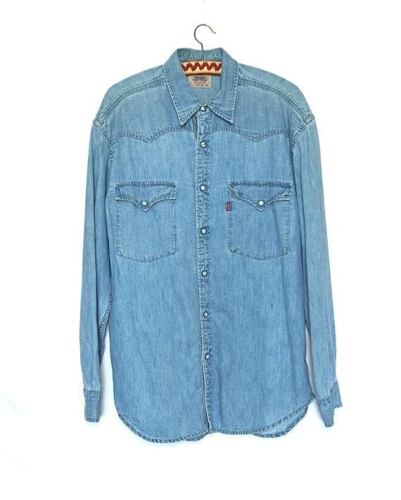 Vintage, Levi's denim, men's shirt, blue Size M