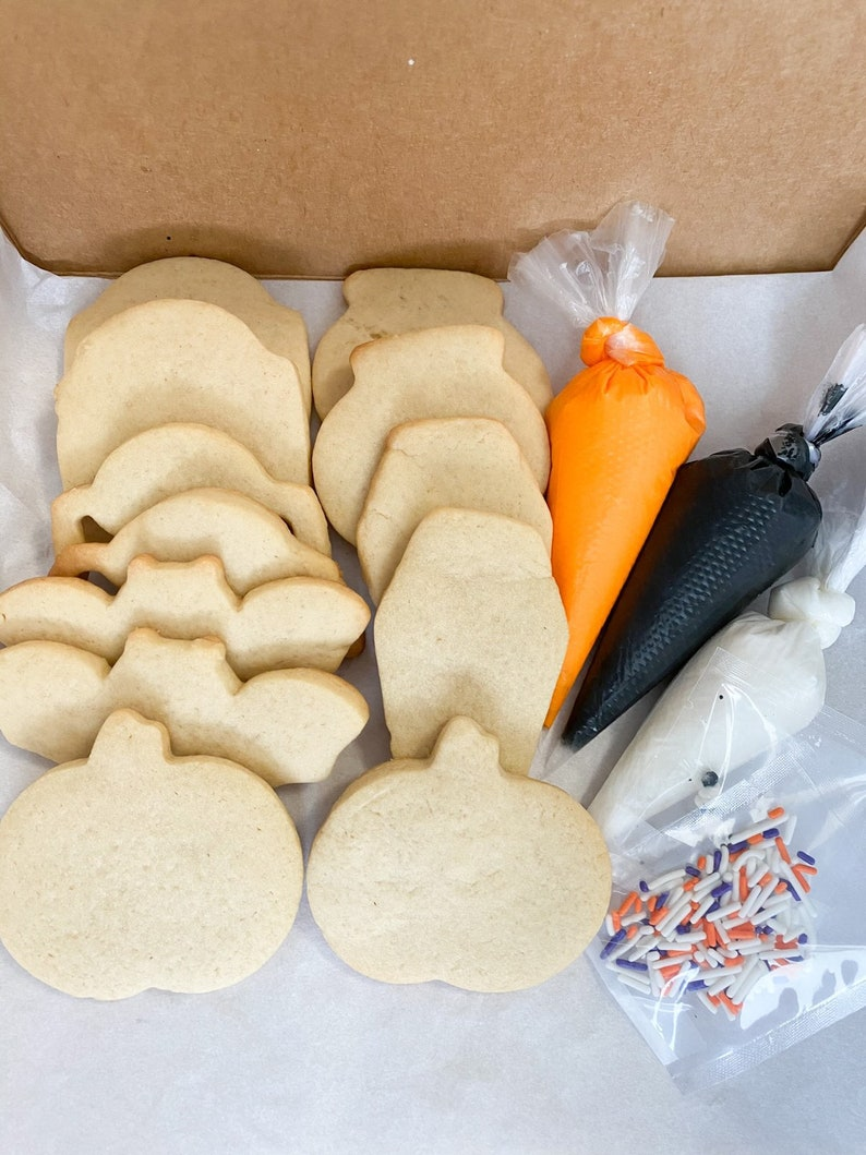 Halloween DIY Cookie Decorating Set image 0
