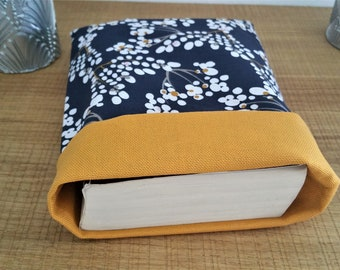 Book pouch, reversible fabric book pouch, Mother's Day gift, Mother's Day gift, custom cover