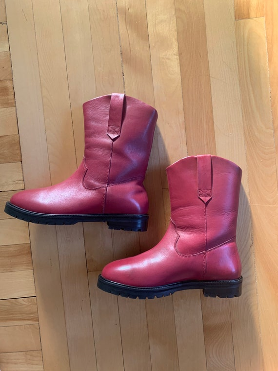 Red leather cow boy boots