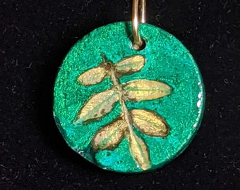 Chinese Pistache Green and Gold Concrete Pendant Necklace