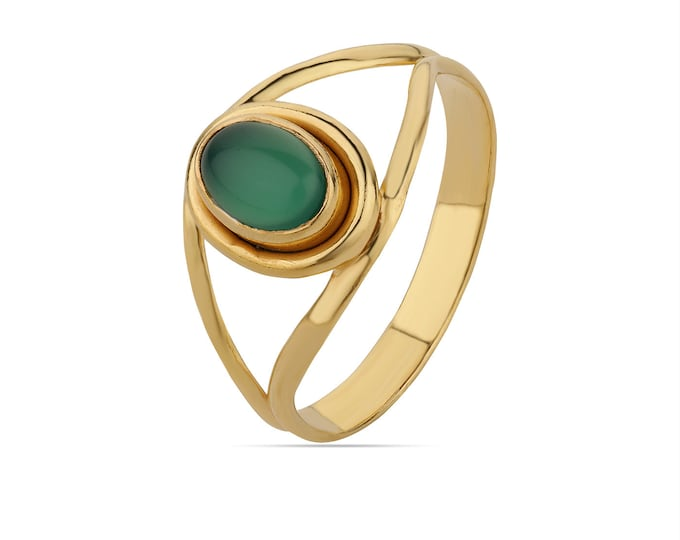 Green Onyx RingGreen Stone RingSmooth Cabochon RingStackable RingOval Green Onyx Gold RingSterling Silver Green Onyx Gold Ring
