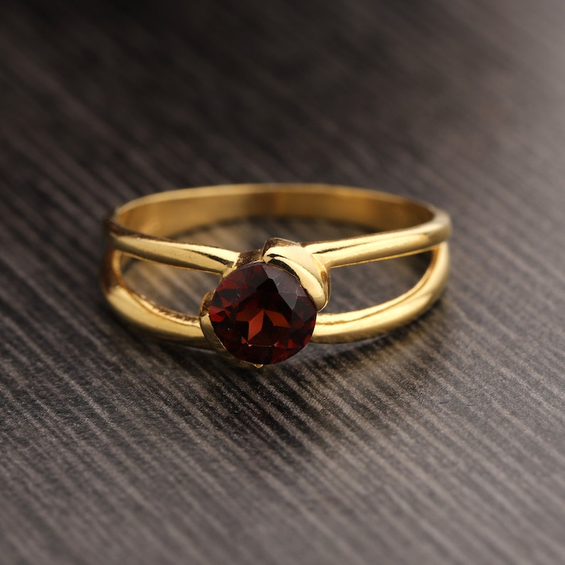 Round Garnet Gemstone Ring Double Band Ring 925 Sterling Silver Ring