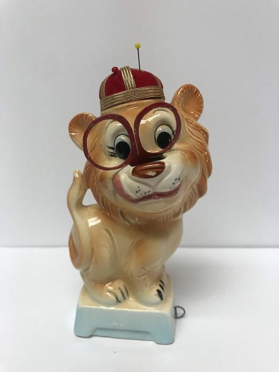 Vintage Tilso Ceramic Royal Lion Sewing Figurine Pin Cushion Scissors