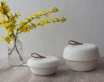 Set of two cotton rope basket with lids, small medium round basket with cover, lidded catch-all jewellery box, storage rope bowl