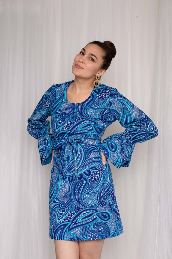 Vintage 1960s mod psychedelic blue paisley dress