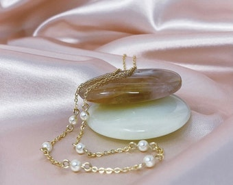 Adelaide Necklace, Pearl Necklace, Pearls, Chain, Gold chain, Handmade, MadaBean, Minimalistic, Simple, Elegant, Cute