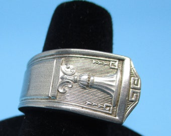 Silverware Ring. This ring is made from a silverware spoon handle. Cup Ring pattern Round Ring, Unique Ring