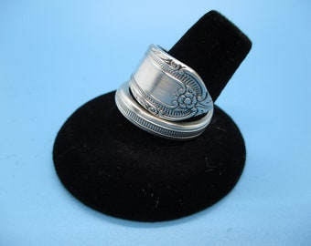 Silverware Jewelry Spiral Ring Beautiful Details Made from a spoon handle. Size 9 ring.