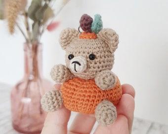 Pumpkin bear keychain / bag decoration, handmade crochet amigurumi, automnal decoration