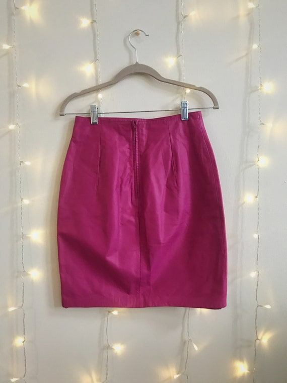 80s hot pink leather high waisted mini skirt - image 2