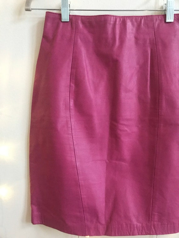 80s hot pink leather high waisted mini skirt - image 3