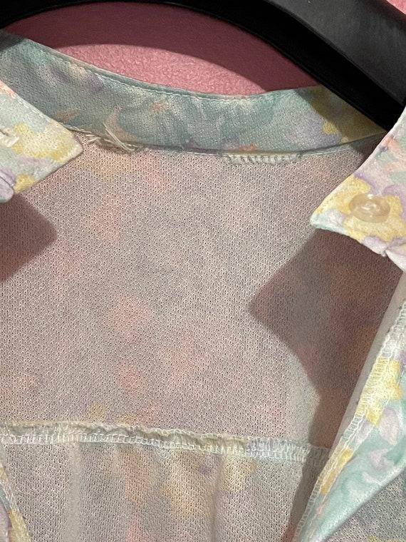Vintage 70s pastel floral blouse - image 5