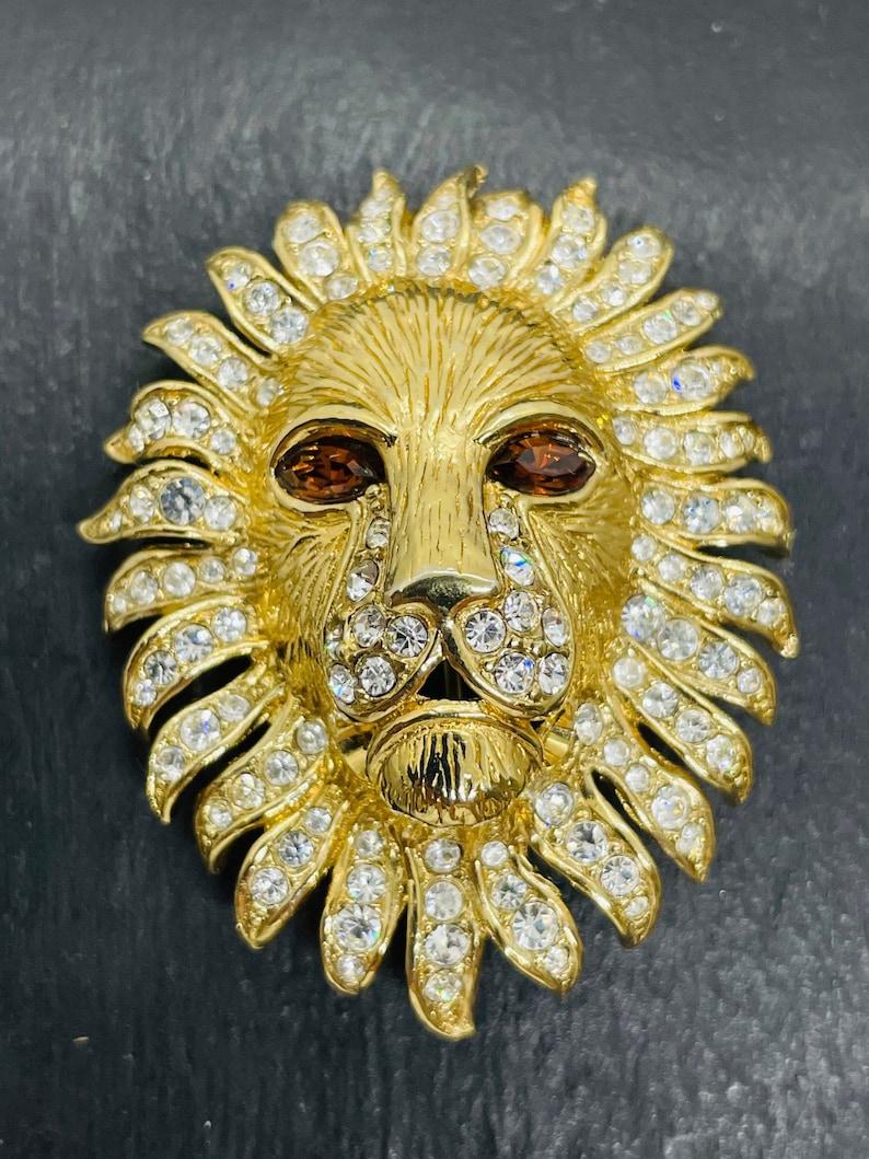 Attwood Sawyer Lion Brooch