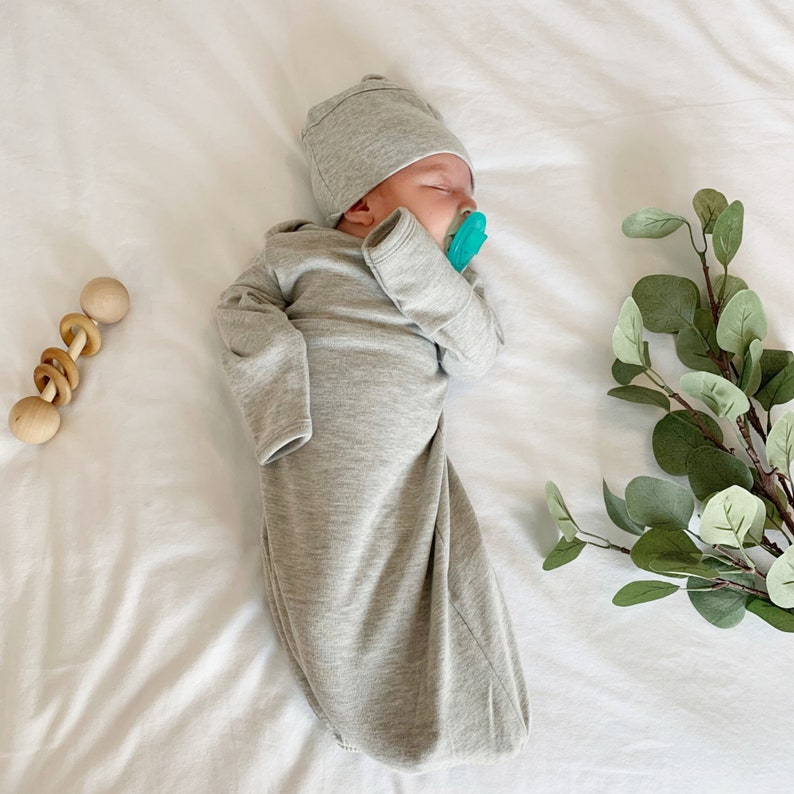Baby Shower Gift Baby Boy Coming Home Outfit Baby Girl High Quality Sleeping Gown With Matching Cap or Bow Baby Sleeping Gown