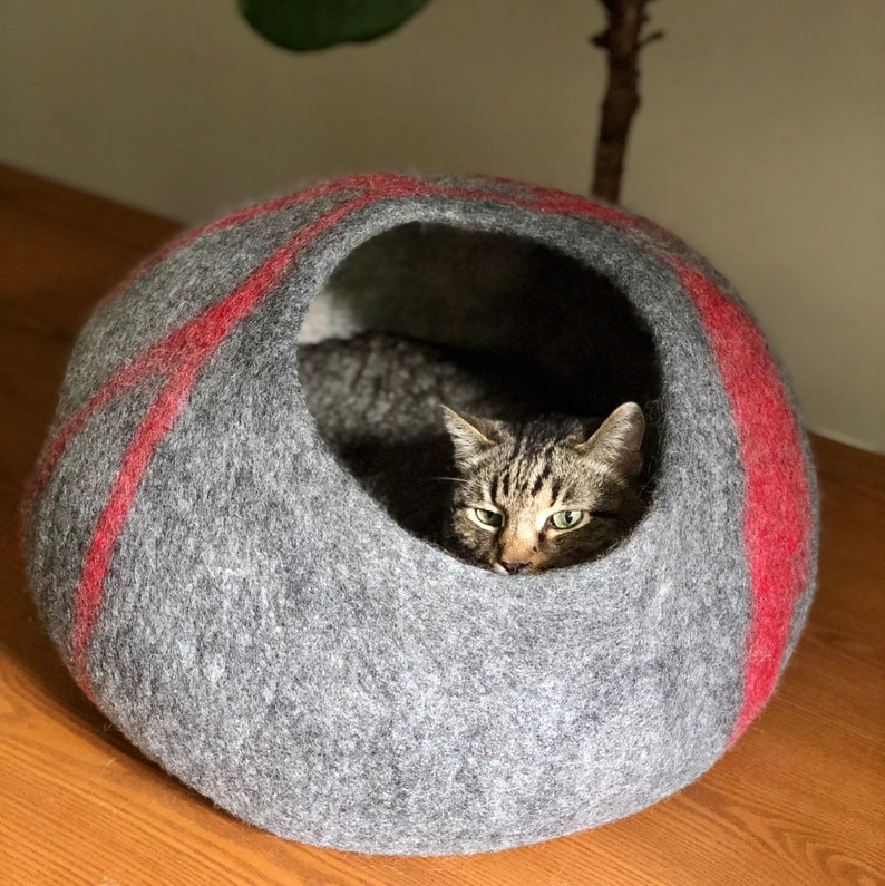 Large Wool Cat Cave  Wool Cat Bed Handmade Wool Cat Bed Felted Wool Cat House  Natural Ingredients Pet Bed Gray Cat Cave Cat Cocoon