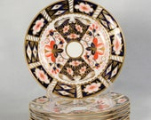 Set of 6 Royal Crown Derby quot Traditional Imari quot 6-1 16 quot Diameter Plates