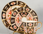 Royal Crown Derby quot Traditional Imari quot Trio
