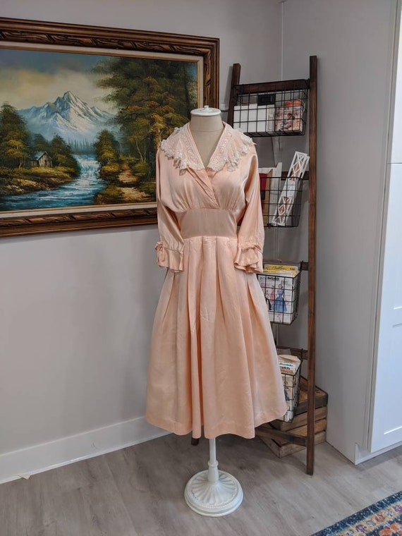 Vintage 1930s 1940s or 1950s blush Pink peach sil… - image 2