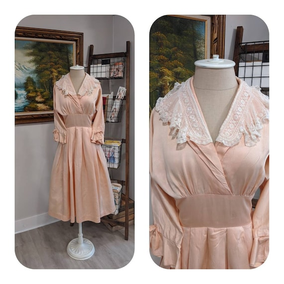 Vintage 1930s 1940s or 1950s blush Pink peach sil… - image 1
