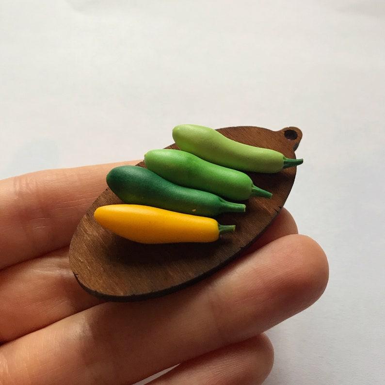 Squash Hand made Doll house miniature Miniature vegetables Miniature zucchini 15 pieces 1:12 Dollhouse miniature Miniature food