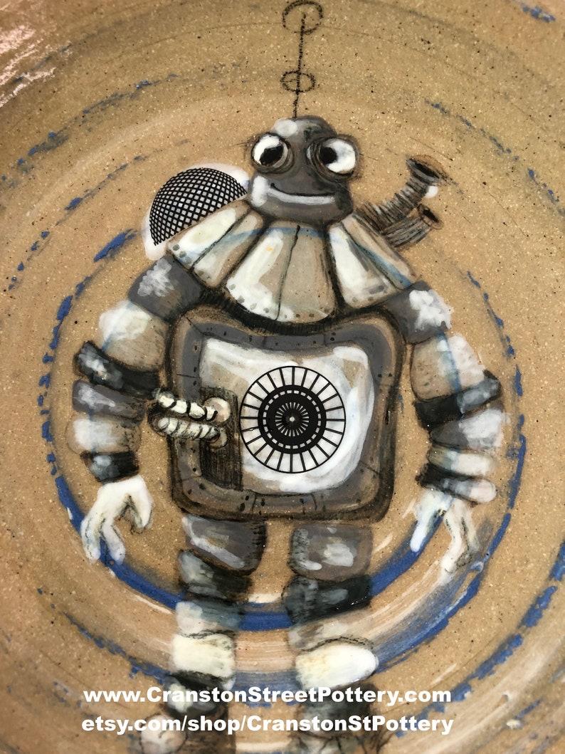 Steampunk Squatty Robot