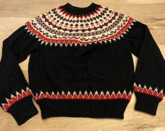 Simple Womens Green Pullover Knitted Woolen Sweater in Scandi Style TORI Nordic Merino Wool Jumper