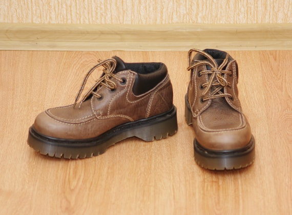 Dr. Martens 8458 vintage 1990 boots made in Englan