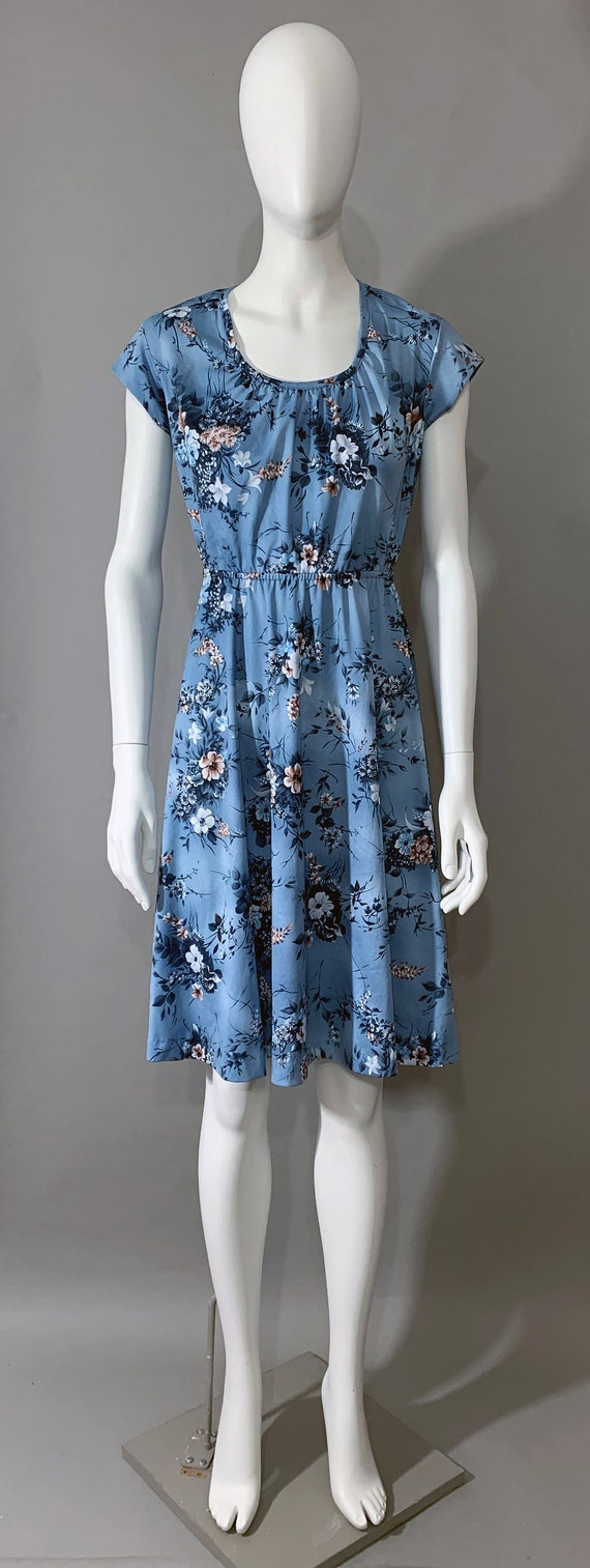 1970s Women's Floral Blue Dress