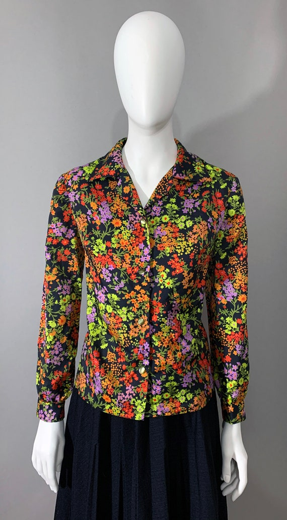 1970s Women's  Multicolor Floral Blouse with Bisho