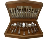 Vintage 44 piece canteen of English silver plated cutlery in the Kings pattern by Smith Seymour Ltd, Sheffield
