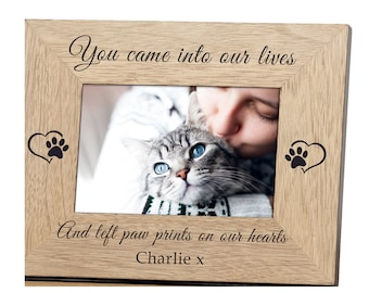 """Cat Memorial Photo Frame Engraved with Cats name Oak finish 6 x 4"""""""