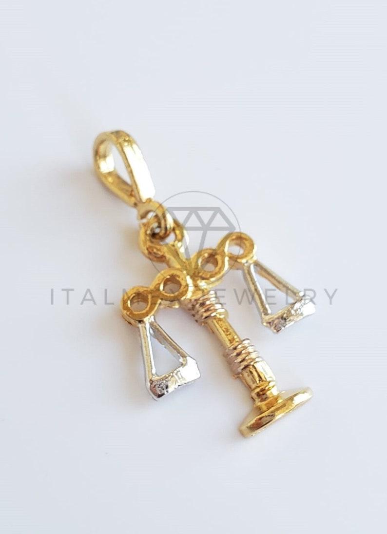 18K Real Gold Plated Libra Zodiac Pendant /& 20 Gold Plated Chain Dije del Zodiaco de Libra con Cadena de 20 de Oro Laminado 18K
