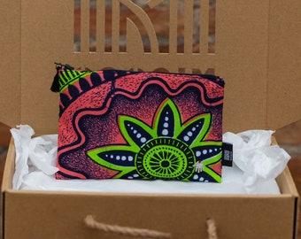 Coin purse flower cotton, african wax small bag. Handmade Credit Card purse zip. mini pouch small purse, Boho Coin Purse,