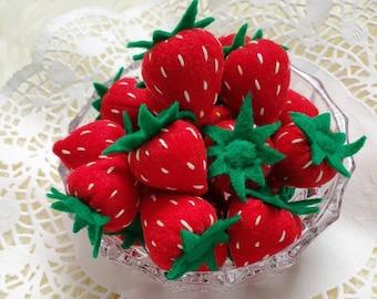 Felt strawberries,  felt food, felt fruits , pretend play kitchen, pretend play garden, felt toys, felt berries
