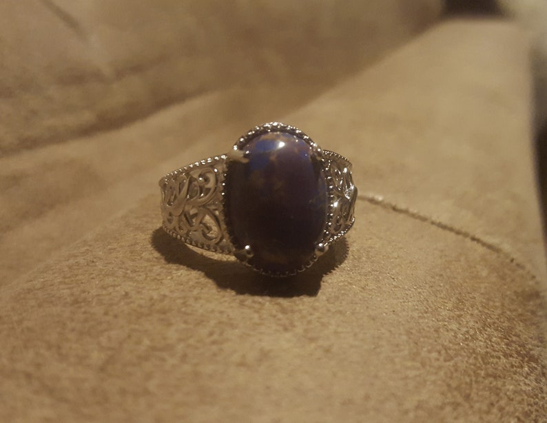 Size 7 Lovely Artisan Crafted Mohave Purple Turquoise Solitaire Ring