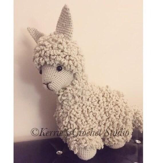 Lara the Llama amigurumi pattern - Amigurumipatterns.net | 570x570