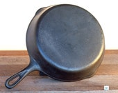 Unmarked Wagner, 8, 10 1 2 quot Cast Iron Skillet