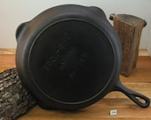 LODGE, Axford 11 quot Cast Iron Broiler Skillet