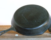 Unmarked Wagner, 10 11 3 4 quot Cast Iron Skillet