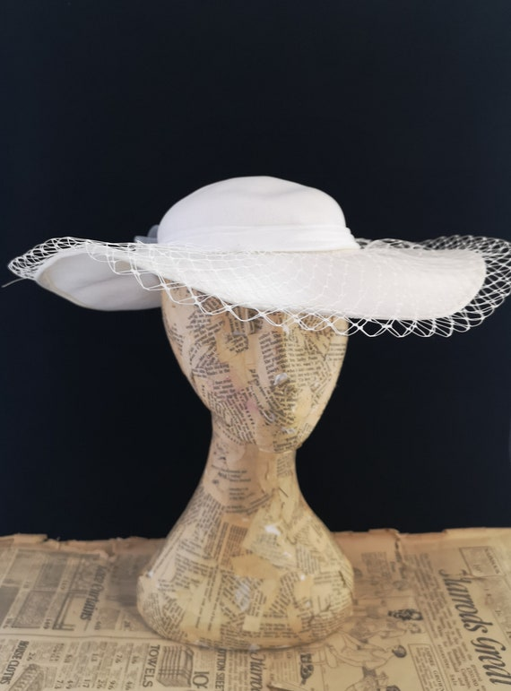Vintage white sunhat, 80's, wide brimmed