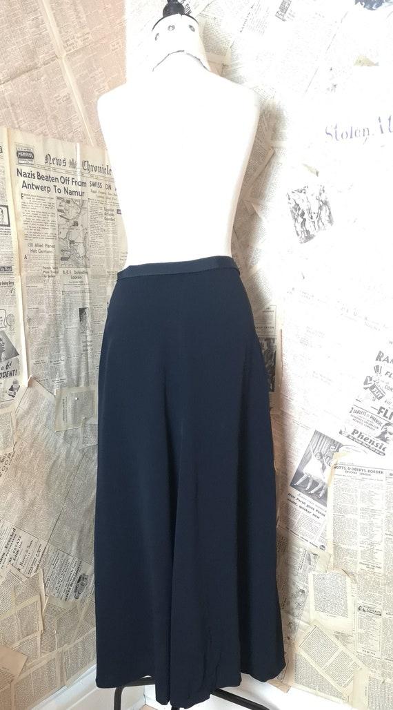 Vintage 30s long black crepe skirt - image 3