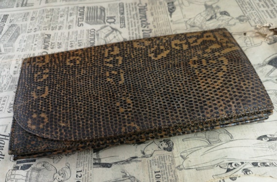 Vintage faux snakeskin clutch purse, 1940s - image 2