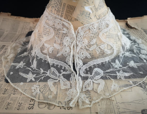 Antique lace collar, 19th century, Brussels Appliq