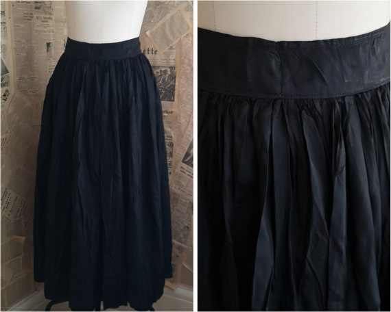 Antique black taffeta skirt, 1910's